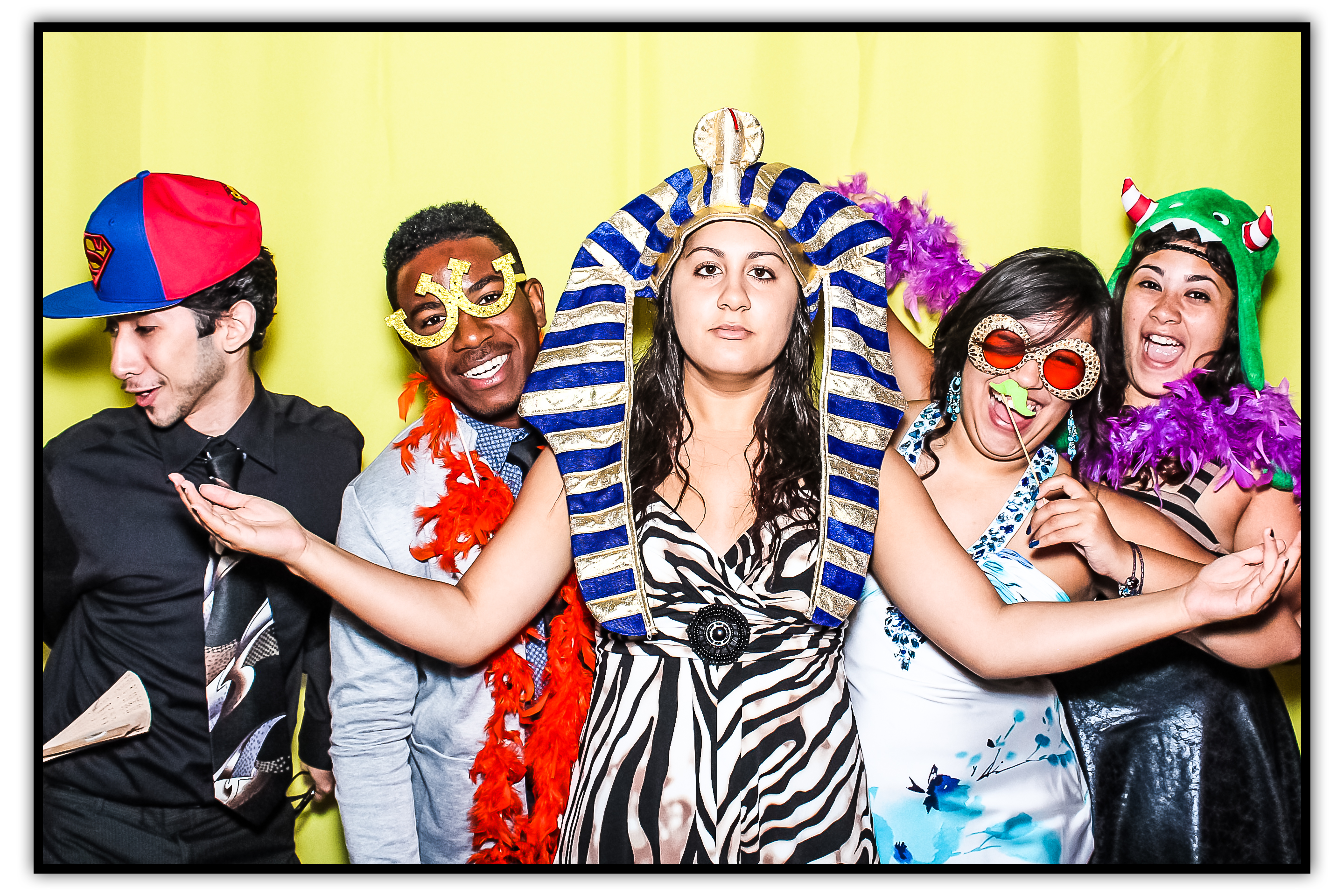https://photoboothparty.net/wp-content/uploads/2013/08/cover2.png